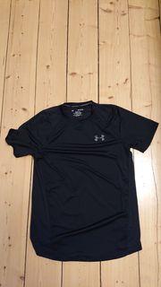 Verkaufe Sportshirt in schwarz von