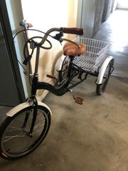 Neuwertiges Dreirad für Senioren
