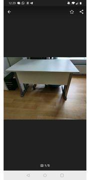 Weißer Schreibtisch