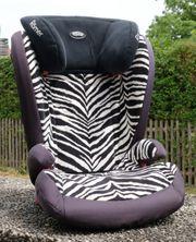 Römer Kidfix Kindersitz im Zebra-Muster