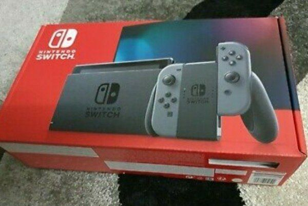 Nintendo Switch in Grau. Neu und Ungeöffnet.
