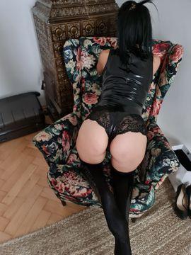 Sie sucht Ihn (Erotik) - Mina 26 FULL SERVICE