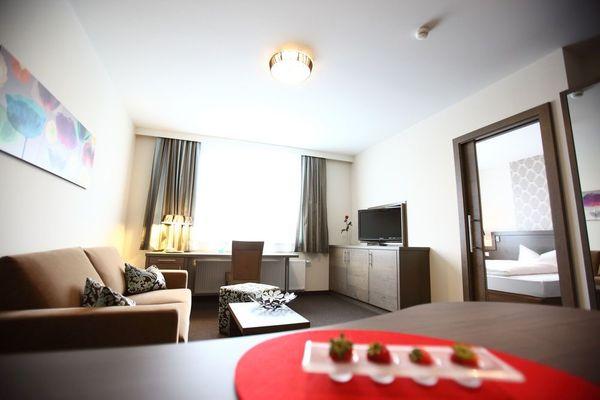 Möbliertes und modernes 2-Zimmer-Apartment für