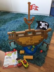Angry Birds Pirate pig attack