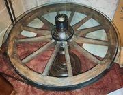 2 Wagenrad Tische
