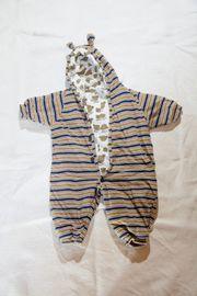 Baby- und Kleinkindbekleidung