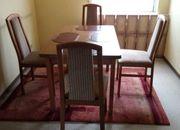 Esstisch und 4 Stühle - wie