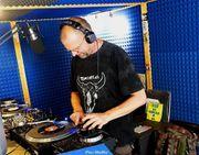 Montach-Nachmittachs-Überlebens-VINYL-Radio
