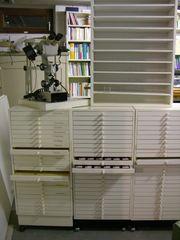 Schubladen-Rollschränkchen für Testsätze u Ampullen-Regal