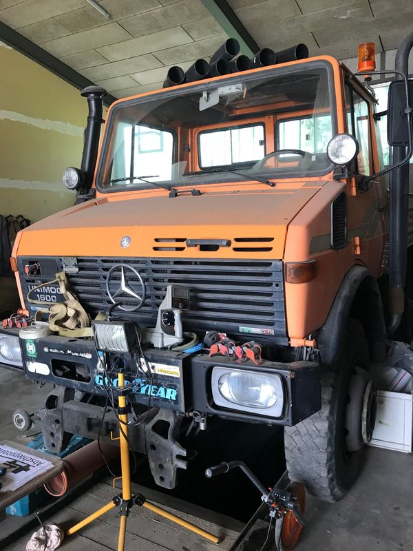 Unimog 1600 Schneefräse VF3-ZW