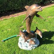 Wasserspeier Delfine aus Bronze zu