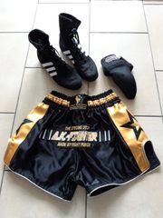 Boxhose Boxschuhe und Tiefschutz