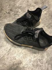Extrem getragene Schuhe