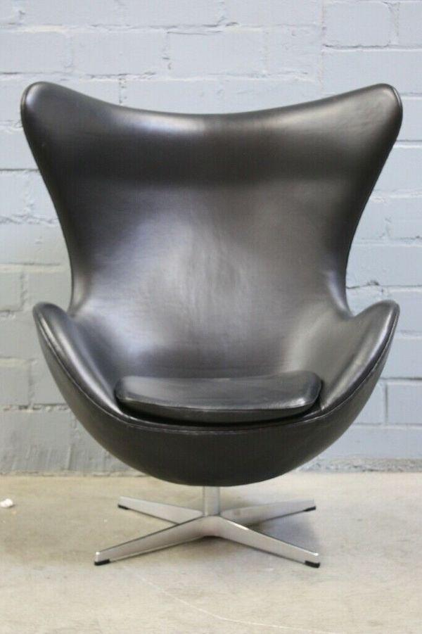 EGG Chair Design by Arne