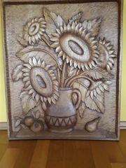 Holzbild geschnitzt Sonnenblumen in Vase