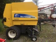 NEW HOLLAND BR6090 CropCutter Quaderballenpresse