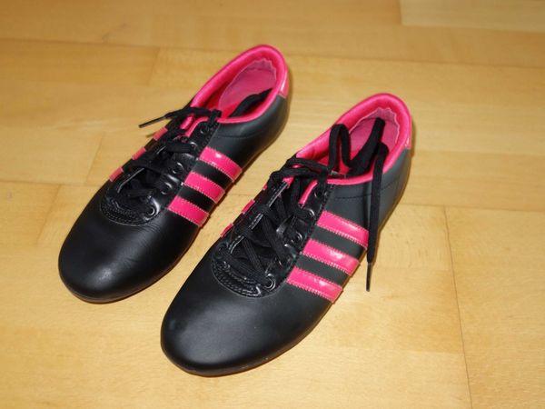 NEUWERTIG Adidas Hallenturnschuhe schwarz pink Größe 36 37