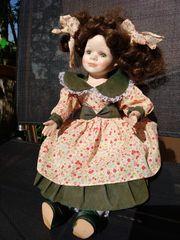 Puppe weiblich braun