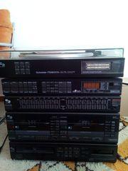 Hochwertige Stereoanlage mit Plattenspieler u