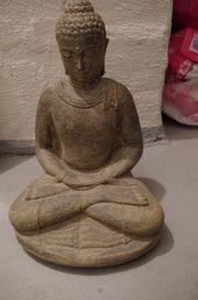 Buddha Statue Skulptur Vulkanstein massiv
