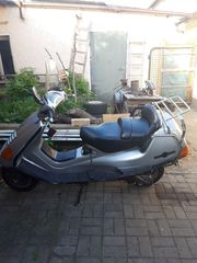 Roller Piaggio Hexagon 125