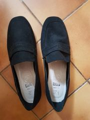 Neue schwarze Slipper Gr 39