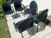 Fünf Bürostühle Konferenzstühle