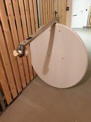 Satellittenschüssel 85cm mit Kopf und