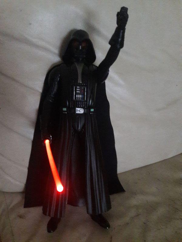 Darth Veader Figur mit Leuchtschwert