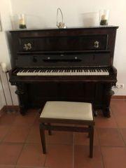 Blüthner Klavier