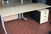 Schreibtisch in Ahorn 200 cm