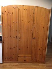 Schrank Kleiderschrank 3-türig Holz hellbraun