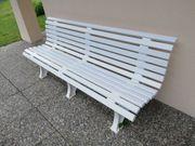 Gartenbank und 3 passende Stühle