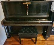 Schönes antikes Klavier zu verschenken
