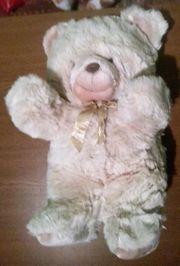 Stofftier - Großer Bär mit Schleife