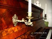 Romantisches antikes Klavier