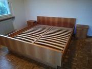 Doppelbett Kirschholz mit Nachtkästchen