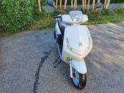 Peugeot Vivacity moped