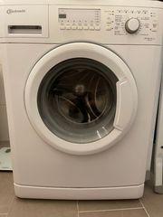 Waschmaschine von Bauknecht plus Halterung