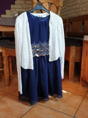 Festliches Kleid mit Strickjacke
