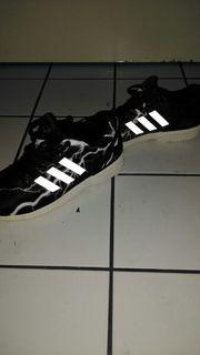 Adidas Schuhe NEU