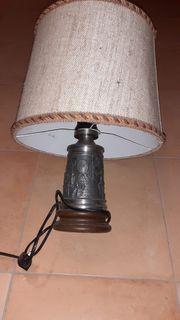 Tischlampe mit Zinnfuss