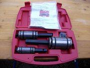 Werkzeugsatz zum Aufweiten von Auspuff-Steckmuffen