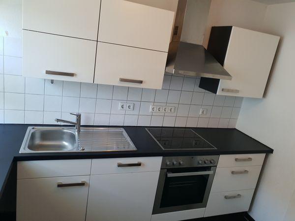 Küche Nobilia weiß schwarz Einbauküche