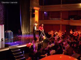 Veranstaltungen, gewerblich - Zauberer Ballonclown Clown Unterhaltungskünstler Künstler
