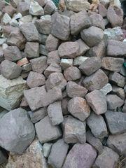 Natursteine in verschiedenen Farben Größen