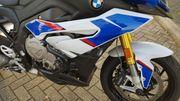 Verkaufe neuwertige BMW S 1000