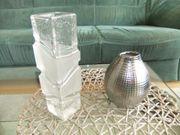2 Vasen Glas bzw Porzellan