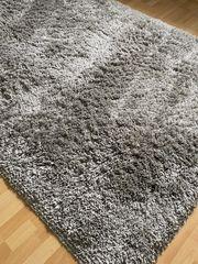 Flusenteppich in gutem Zustand zu