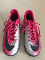 Fußball Schuh